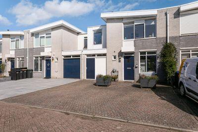 Mahonie 121, Dordrecht
