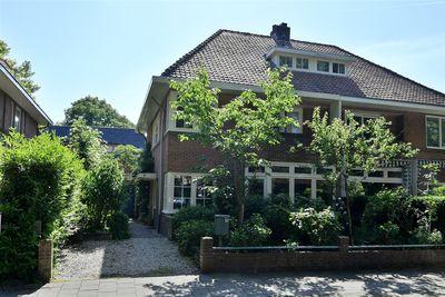 Van der Helstlaan 57, Hilversum