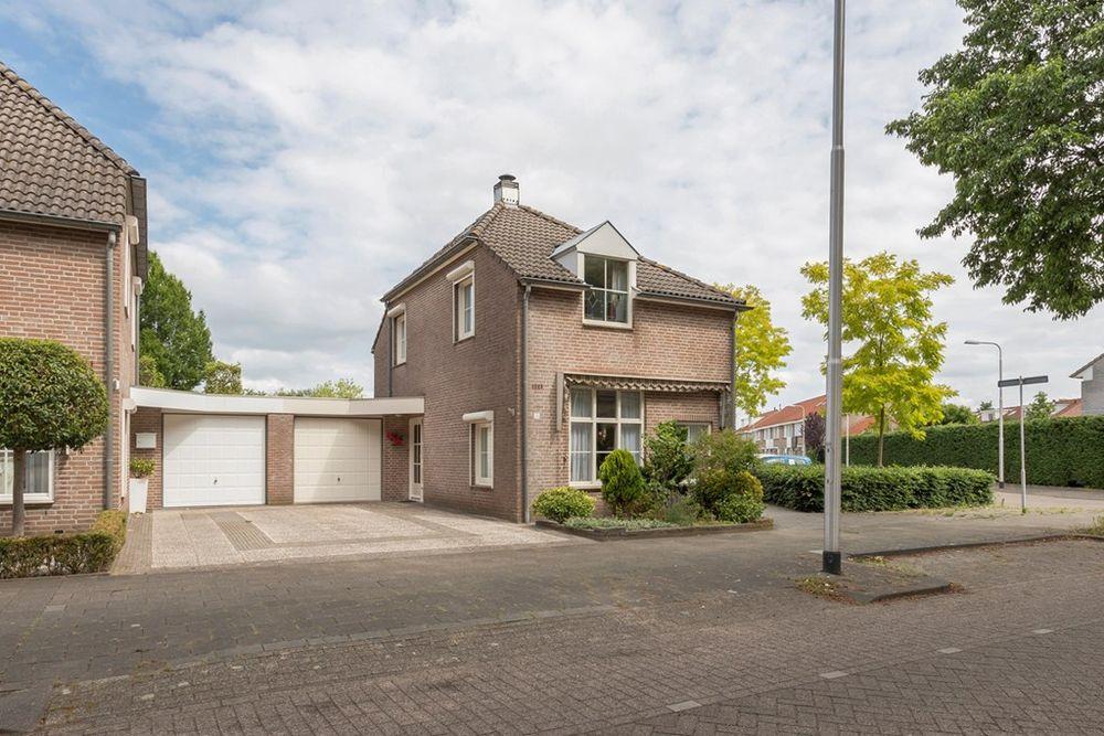 Genemuidenstraat 25, Tilburg