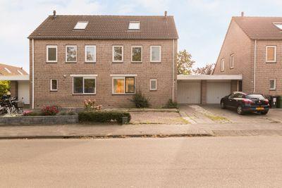 Idzerdastins 10, Leeuwarden