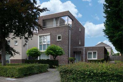 Maasbommelstraat 45, Tilburg