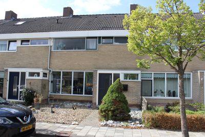Burgemeester Waalkensstraat, Nieuwolda