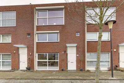 Zalmwater 135, Barendrecht