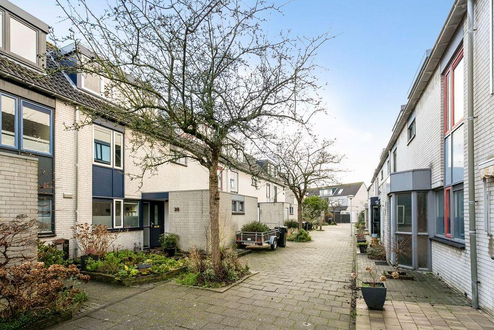 Truus van Lierpad 28, Leiden