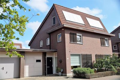 Adriana van den Dyckestraat 29, Helmond
