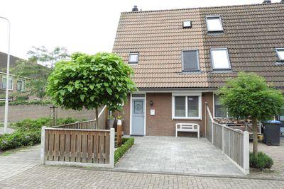 Bandeliersberg 198, Roosendaal