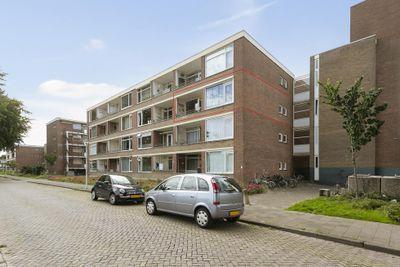 Staringlaan 242, Papendrecht