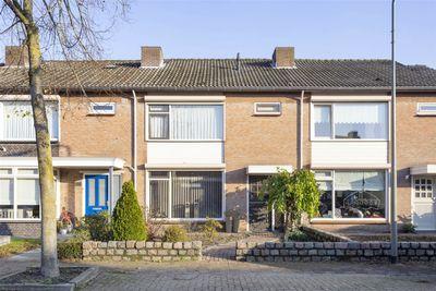 Doctor Schaepmanstraat 15, Geffen