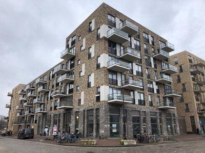 Nida Senffstraat, Amsterdam