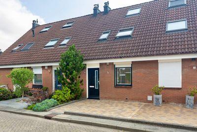 Lijster 17, Sommelsdijk