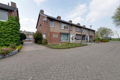 Leijgraaf 8, Belfeld