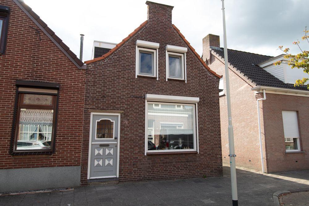 Dorpsstraat 18, Nispen