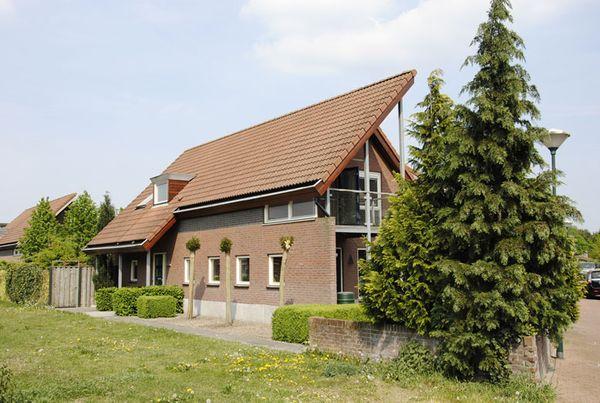 Herberga van Bronckhorstlaan 3, Helmond