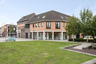 Burg. Van Houdtplein 14, Bladel
