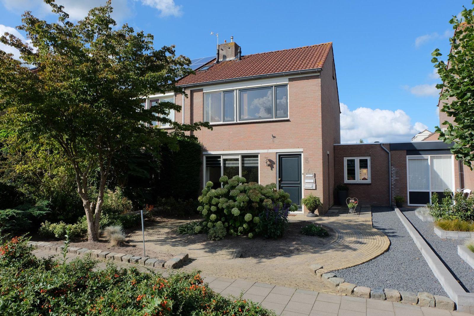 Elzenberg 5, Roosendaal