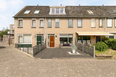 Piet Heinplaats 2, Vlaardingen