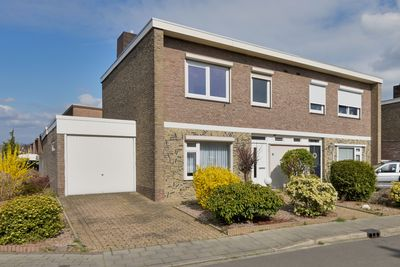 Beatrixstraat 10, Munstergeleen