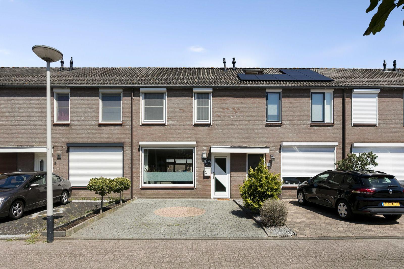 Drakenberg 14, Roosendaal