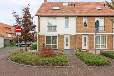 J. Schaperstraat 1, Aalsmeer