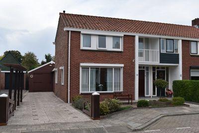 Zeeasterstraat 8, Nieuwerkerk