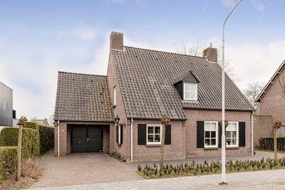 Oranjestraat 74, Best