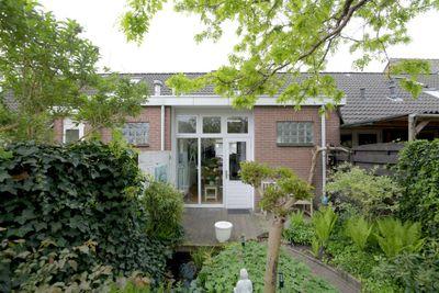 Lange Zandstraat 64, Deventer