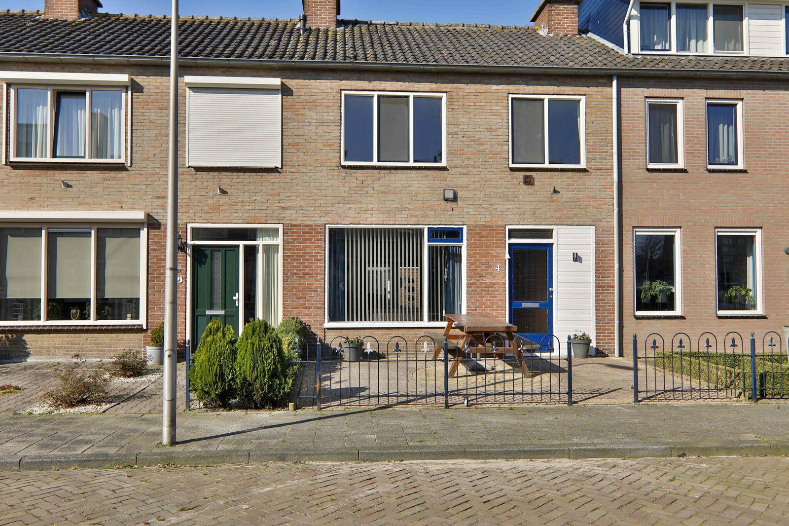 Spireastraat 4, Hoogeveen