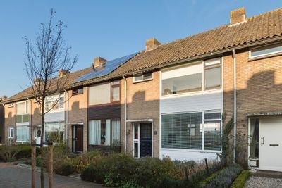 Willem-Alexanderplantsoen 9, Moerkapelle