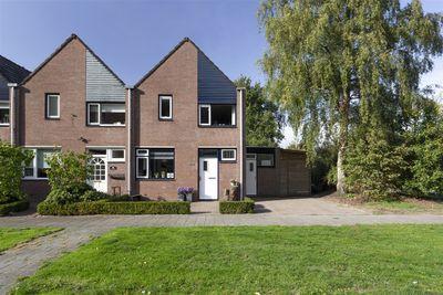 Landdrostlaan 124, Apeldoorn