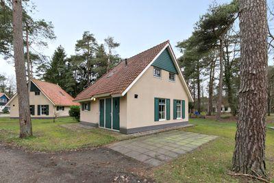 Hof van Halenweg 2154, Hooghalen