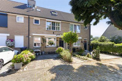 Joke Smit-erf 143, Dordrecht