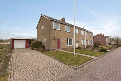 Beatrixstraat 1, Zoutkamp