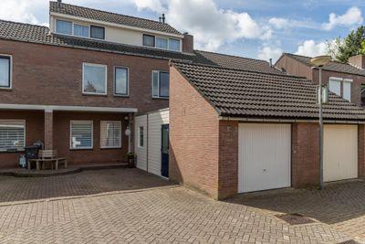 Holmsterheerd 12, Groningen