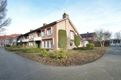 Hoevenseweg 106, Tilburg
