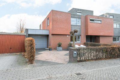 Maartveld 2, Maastricht