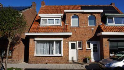Walstraat 8, Oostburg