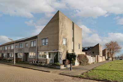 Petronella Moensstraat 2, Zaandam