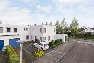 Flora Bilderbeekstraat 4, Zwolle