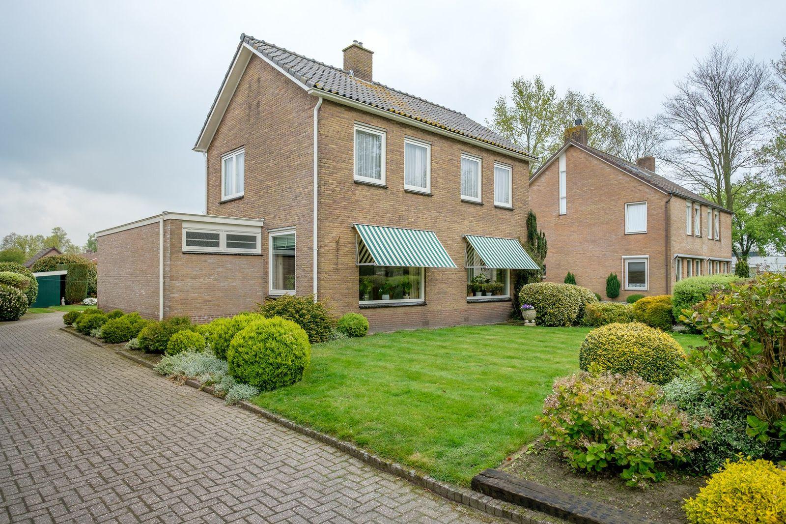 Dorpsstraat 73, De Wijk