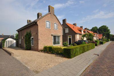 Vlastenstraat 12, Doornenburg