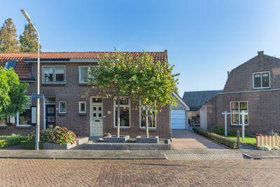 Molenlaan 24, Sommelsdijk