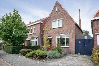 Julianalaan 22, Oosterhout