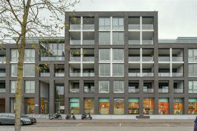 Eva Besnystraat, Amsterdam