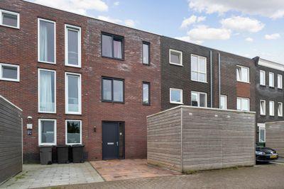 Mazustraat 61, Almere