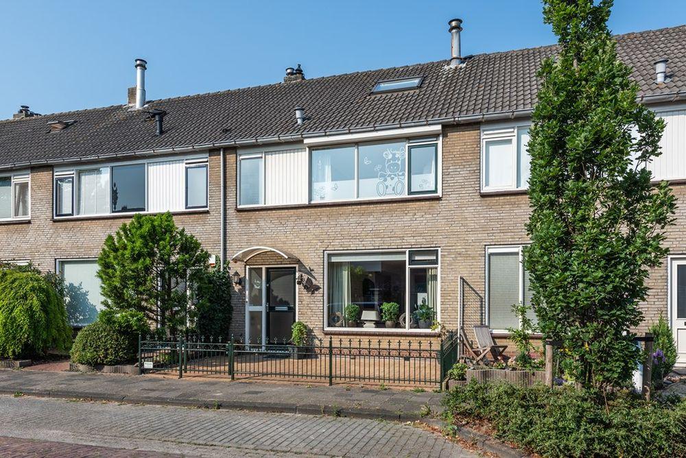 Van Beethovenstraat 18, Naaldwijk