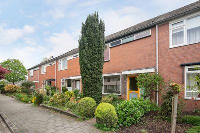 Zuiderkruis 63, Hoogeveen