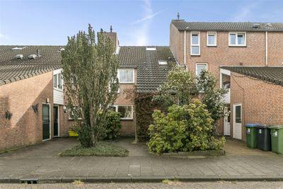 Ferdinand Bolstraat 8, Oosterhout