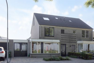 Karveel, Volendam