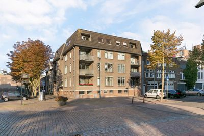 Beugelsplein 8-a, Helmond