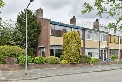 Van Almondelaan 42, Hilversum